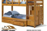Tempat Tidur Tingkat Kayu